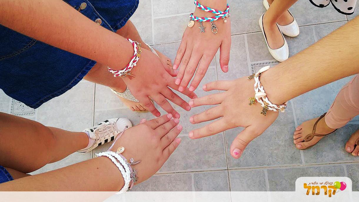 צבעונית - סדנאות תכשיטים - 073-7837693